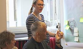 Patienter hjælper os med at udvikle spørgeskemaer